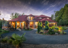 1-web-luxury-homes-for-sale-dayton-oregon-yamhill-county-swimming-pool-theater-basketball-court-the-kelly-group-real-estate